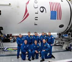 NASA Space X Great Red Dragon Photos | Great photo of NASA astronauts with Falcon 9, helping prepare cargo ...