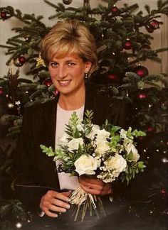 Last Portrait of Princess Diana Christmas 1996. Christmas trees, Ballet and Happy on Pinterest
