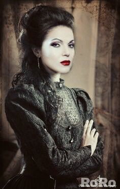 Awesome Evil Queen Regina (Lana) Once S2 in awesome art