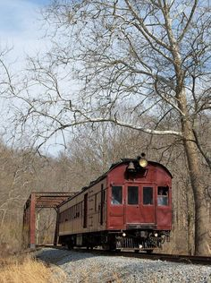 PRR Doodlebug traverses the trestle in Ashland, Delaware