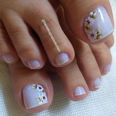 23 that will make you bright summer nails designs glitter fun 023 Bright Summer Nails, Summer Acrylic Nails, Cute Toe Nails, Toe Nail Art, Pedicure Designs, Toe Nail Designs, New Nail Art Design, Cotton Candy Nails, Nagel Gel