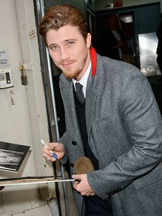 Star Tracks: Monday, December 8, 2014   ALL IN A NAME   Unbroken star Garrett Hedlund makes a fan's dreams come true in New York City on Friday.