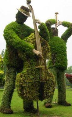 Jazz Men Garden Sculptures - amazing!
