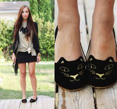 Kitten flat shoes. ive seen these so many times and i want them! they might be a little too cutesy