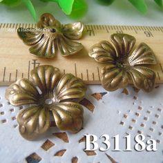4pcs 21x4mm brass plated Bronze filigree bead caps Flower by diyla, $1.80