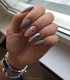 What Christmas manicure to choose for a festive mood - My Nails Classy Nails, Stylish Nails, Trendy Nails, Almond Acrylic Nails, Cute Acrylic Nails, Almond Nails, Hair And Nails, My Nails, Funky Nails