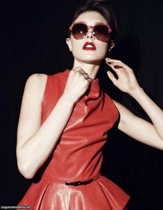 Jacquelyn Jablonski in 'I Wear My Sunglasses At night' - Photographed by Philip Gay (Muse #30 June 2012)    Complete shoot after the click...