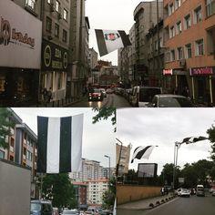 """33 Beğenme, 1 Yorum - Instagram'da D'S (@dvt_): """"Şampiyon tüm sokaklarda dalgalanıyor 🦅 #gününfotosu #dvt_ #Beşiktaş #instabjk…"""""""