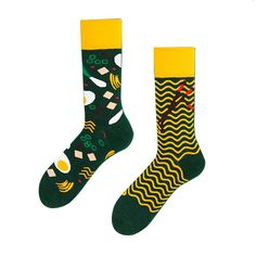 Many Mornings mismatched Ramen Noodles socks. Socks And Heels, Ankle Socks, Adidas Socks, Modern Groom, Wedding Gifts For Groom, Sneakers Street Style, Adidas Outfit, Popular Mens Fashion, Ramen Noodles