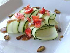 """""""Magical"""" Oil-Free Vegan Salad Dressing!"""