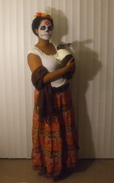Not many people know it, but Frida Kahlo loved bunnies.