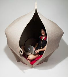 Felt pod chair called Hush by British designer Freyja Sewell made from biodegradable felt presented at Clerkenwell Design Week Small Apartment Hacks, Pod Chair, Design Creation, Art Et Design, Learning Spaces, Hush Hush, Midcentury Modern, Biodegradable Products, Decoration
