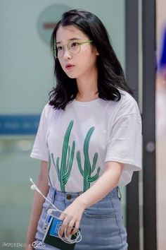 how to achieve these looks…. Indie Fashion, Fall Fashion Outfits, Kpop Fashion, Asian Fashion, Korean Short Hair, Korean Girl, Korean Actresses, Korean Outfits, Korean Beauty
