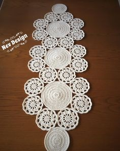 Best 12 Study In Circles Crochet Motif Table Runner Pattern Crochet Round, Crochet Home, Crochet Motif, Crochet Doilies, Double Crochet, Hand Crochet, Crochet Patterns, Crochet Table Runner, Table Runner Pattern