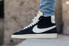 Classic nike shoes - The Ultimate Guide To Sneakers & Sneaker Brands – Classic nike shoes Sneakers Nike Jordan, Black Nike Sneakers, Winter Sneakers, Sneakers Mode, Black Nikes, Classic Nike Shoes, Classic Sneakers, Casual Sneakers, Nike Blazer Outfit