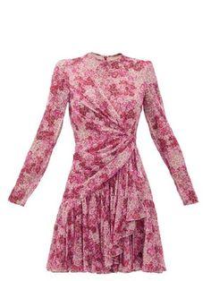 Style Couture, Couture Fashion, Runway Fashion, Pink Fashion, Skirt Fashion, Fashion Outfits, Women's Fashion, Fashion Model Poses, Velvet Gown