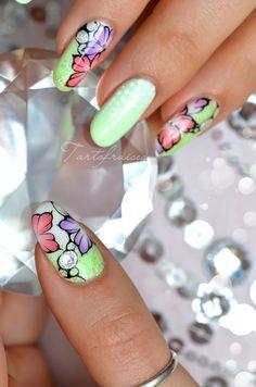 nail art fleur printemps pastel fluo neon