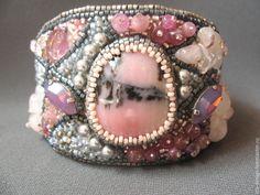 """Купить Браслет"""" Витражи"""" - розовый, серый, светло-серый, светло-розовый, вышитый браслет"""