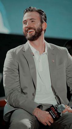Chris Evans Gifted, Robert Evans, Man Thing Marvel, Chris Evans Captain America, Marvel Memes, Tom Hardy, Steve Rogers, Celebrity Crush, Beautiful Men