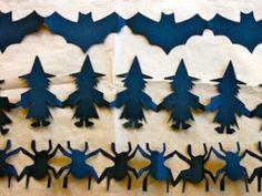 Vous voulez faire la même chose ? Facile… Ce dont vous avez besoin: Personnages Halloween, enformesGrande feuille de papier noirUne paire de ciseau 1.Imprimez le modèle de chaîne de papier. 2.Choisissez la forme que vous voulez faire: sorcière, chauve-souris ou une araignée. 3.Couper grossièrement autour de la forme. Maintenant, placez-la sur le bord de votre feuille de papier. 4.Faire un pli qui s'adaptera à la forme entière; si vous le souhaitez vous pouvez serrer la... - DIY : Guirlande…