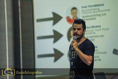 Aitor Contreras en su espectacular ponencia en la Jornada del Observatorio Comunicación en Cambio en la Universidad de Alicante