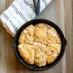 5 ingredients, quick & easy, deliciously indulgent - chipotle cheddar biscuits