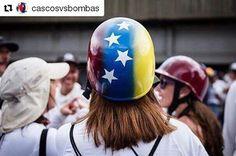 #Repost @cascosvsbombas  Corazón fuego y espuela. Con la piel tostada como una flor... de Venezuela!!! #mujeresporlalibertad  de @andreskerese