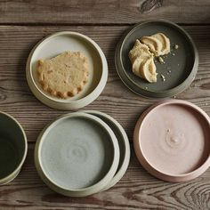Our hand thrown Irish biscuit plates come in four delicate natural tones, perfect for making the most of a handmade treat for guests. The raised rim is a beguiling detail that makes this quirky plate ideal for presenting tapas or nibbles. Wooden Kitchen, Rustic Kitchen, Kitchen Dining, Kitchen Furniture, Dining Area, Dining Room, Stoneware Mugs, Ceramic Plates, Ceramic Pottery