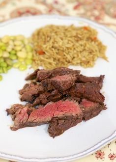 Sweet Heat Steak Marinade - hot sauce & brown sugar marinade that is totally addicting!! Great on any cut of steak!