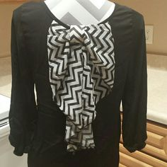 ♡SALE♡ Black and White Bow Long Sleeve Black and white bow in the back, plain black front. Size medium! Excellent used condition, little signs of wear. Buy used....reduce, reuse, recycle! Rue 21 Tops Tees - Long Sleeve
