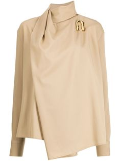 When it comes to Bottega Veneta never expect boring. Spun from pure cotton, this asymmetrical draped blouse is all about being classy with a twist. Love at first sight! Featuring a draped neckline, gold-tone hardware, long sleeves and an asymmetric hem. Power Dressing, Fashion Details, Fashion Design, Bottega Veneta, Blouse Designs, Dress Designs, Blouses For Women, Ideias Fashion, Fashion Outfits