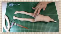 Tutorial Hada de la Navidad: Materiales, coser piezas y rellenar Doll Sewing Patterns, Sewing Dolls, Doll Clothes Patterns, Video Mc, Doll Videos, Doll Making Tutorials, Homemade Dolls, Lalaloopsy, Doll Tutorial