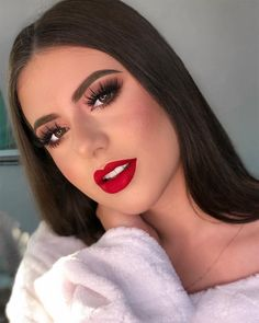 Trendy Makeup Looks With Red Lipstick For You; Stunning Makeup Looks; Red Makup Looks; Red Lip Makeup, Glam Makeup, Love Makeup, Bridal Makeup, Wedding Makeup, Beauty Makeup, Makeup Looks, Hair Makeup, Hair Beauty