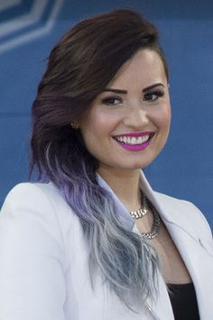 demi-lovato-hair-brown-blue