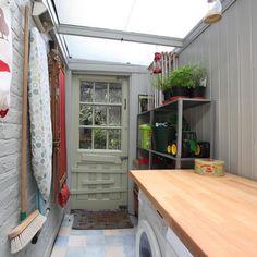 תוצאת תמונה עבור mud room lean to side return ideas Outdoor Laundry Rooms, Lean To Conservatory, Side Return Extension, Lean To Shed, Narrow House, Up House, House Porch, Outdoor Kitchen Design, House Extensions