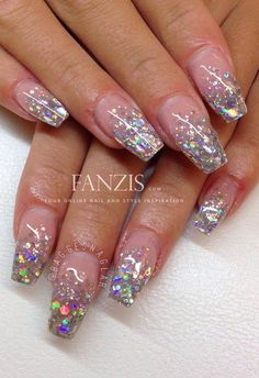 #silver #holographic #holo #beautiful #nails #glitter #fanzis by @baggesnaglar