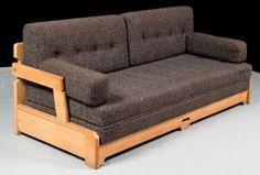Robert GUILLERME et Jacques CHAMBRON  Canapé modèle «Day Bed» en bois naturel, dossier ajouré à décor géométrique, garniture en tissu noir piqué beige Hauteur: 80 cm, Largeur: 194 cm, Profondeur: 80 cm