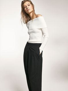 Autumn winter 2016 Women´s RIBBED SWEATER WITH A BOATNECK DETAIL at Massimo Dutti for 699. Effortless elegance!