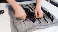 Linda Dezijn - Workshops Nuno Felting, Needle Felting, Diy Leather Bows, Baby Doll Shoes, Fake Brick, Felt Shoes, Felting Tutorials, Woven Wall Hanging, Handmade Felt