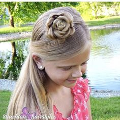 THANK YOU ALL FOR 80k FOLLOWERS!!!  Simple and gorgeous accent flower for Day 21 of the #30daysnewbraids #30dnbday21  Credit: @ashton_hairstyles