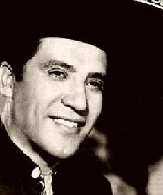 Hoy hace 97 años que nacía, en Chihuahua, Miguel Aceves Mejía  http://www.vintagemusic.es/noticia-comentario/467/hoy-hace-anos-nacia-chihuahua-miguel-aceves-mejia/