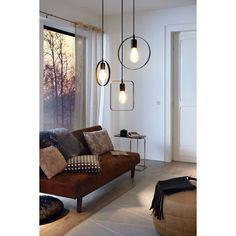 Hanglamp Bedington van EGLO is een moderne en minimalistische hanglamp gemaakt van staal met een zwarte zijdeglans afwerking en heeft een diameter van 25 cm. Door het minimalistische ontwerp design past deze hanglamp thuis in elk interieur. Deze hanglamp is tevens leuk te combineren met de overige hanglampen van de Bedington serie, door de verschillende hoogtes en vormen bij elkaar te hangen wordt er een speels effect gecreëerd. Entryway Bench, Sweet Home, Dining Room, Lounge, Couch, Lights, Bedroom, Interior, Modern