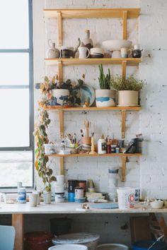 Thrown Down: Artist Helen Levi reshapes the way we think about urban ceramicists — Freunde von Freunden