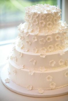 Maillots de bain, Gâteau de mariage and Mariages blancs on Pinterest
