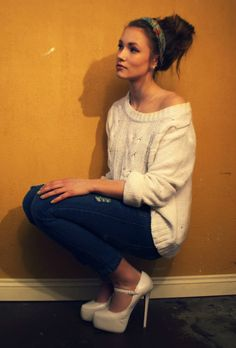 Love this...oversized sweater, skinny jeans, and killer heels. And lets not forget the cute hair :)