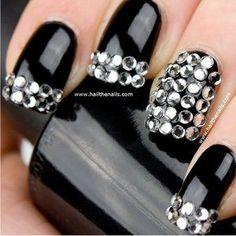 präsentiert von www.my-hair-and-me.de #women #nails #black #schwarz #steine