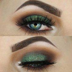 Emerald Smokey Eye for Christmas