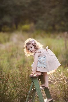 A little girl exploring the heights of success! Precious Children, Beautiful Children, Beautiful Babies, Little People, Little Ones, Little Girls, Baby Kind, Baby Love, Cute Kids