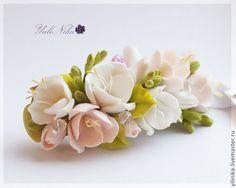 Купить Украшение с фрезиями - белый, фрезия, украшение для невесты, полимерная глина, японская глина