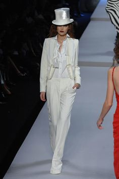 Christian Dior Spring 2008 Ready-to-Wear Fashion Show - Catherine McNeil (OUI)